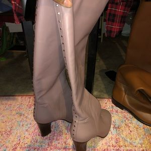 Brand new Valentino boots light pink with a heel